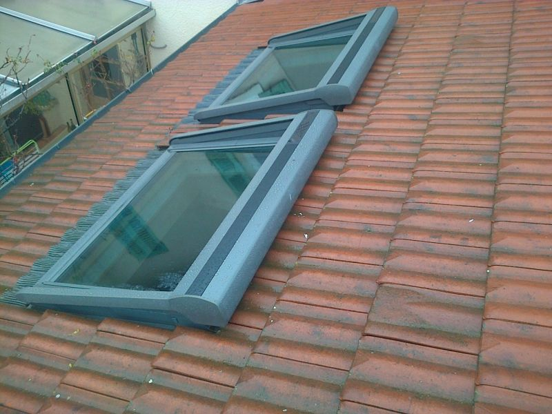 Pose de fen tre de toit type velux cremieu couvreur for Type de fenetre de toit